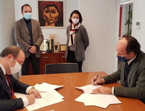El PSC i Units per Avançar signen l'acord de col·laboració electoral i de legislatura
